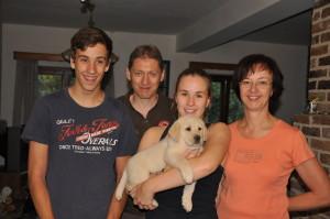 Mazzel Yochiver, beige reu, pup van Tinka Yochiver